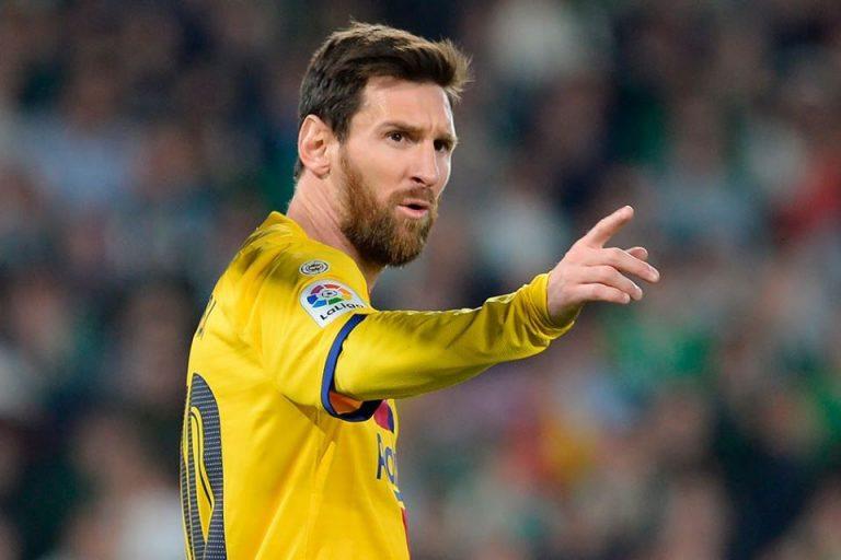 Pernah Dibuat Kepayahan, Costacurta: Messi Lebih Baik Dari  Maradona