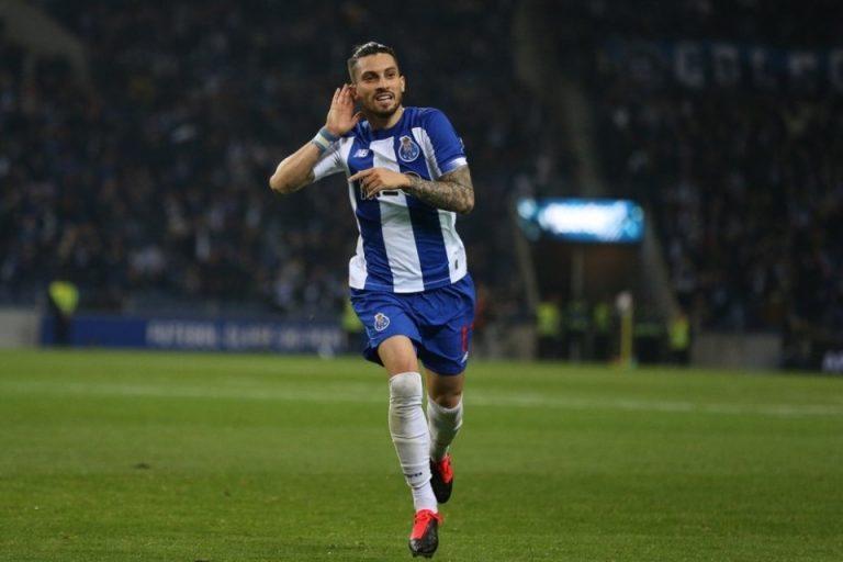 FC Porto Bakal Lepas Alex Telles Di Bursa Musim Panas 2020