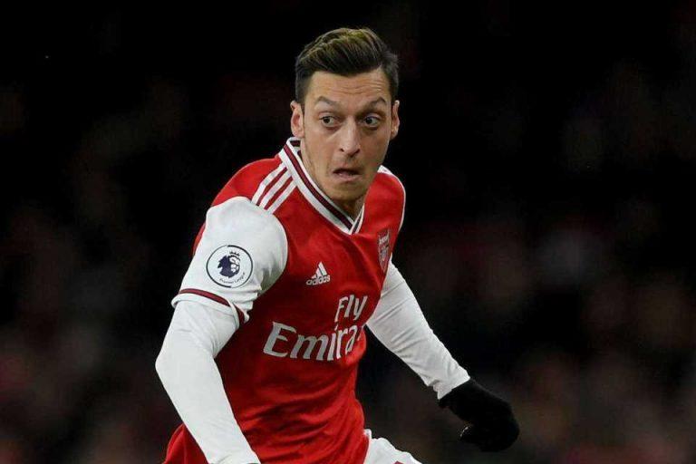 Agen Ozil Bocorkan Masa Depan Si Pemain Bersama Arsenal