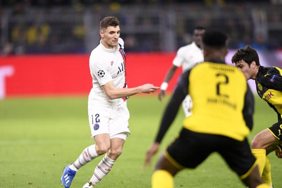 Kontraknya Tak Diperpanjang PSG, Thomas Meunier Dibidik Dortmund