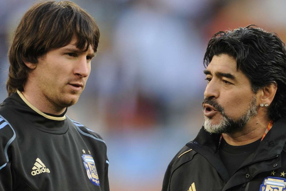 Legenda Italia Akui Maradona Lebih Hebat dari Messi