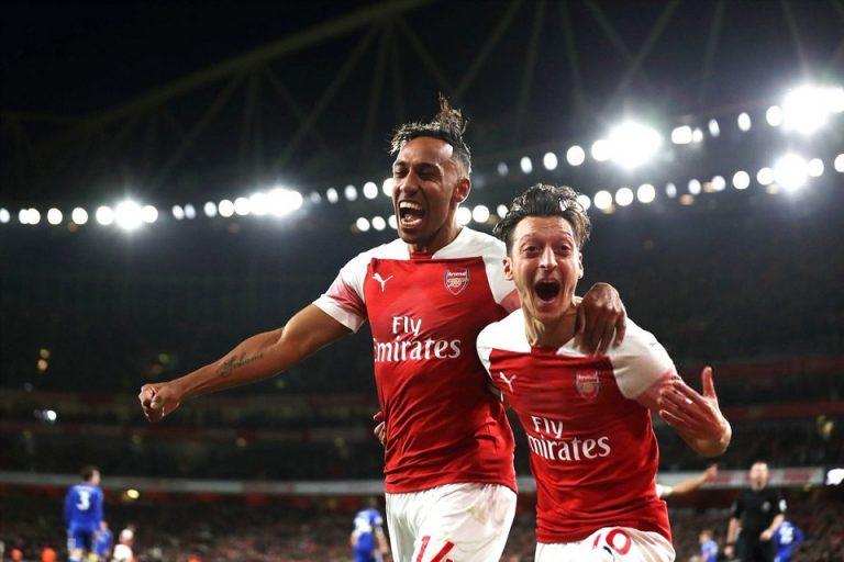 Ozil Disebut Biang Keladi Masalah Aubameyang di Arsenal, Kok Bisa?