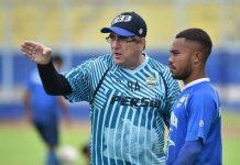 Pelatih Persib Yakin Pemainnya Bisa Jaga Kondisi Tubuh Saat Ramadan