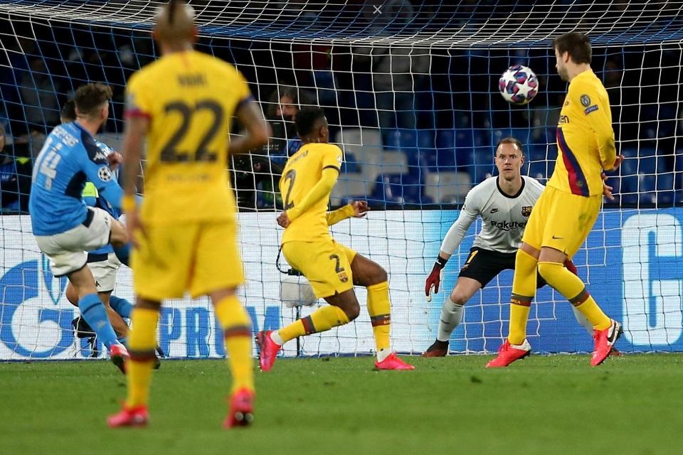 Ter Stegen Saat Barcelona vs Napoli