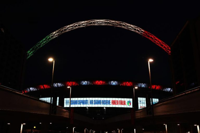 Solidaritas Untuk Italia, Wembley Berhias Hijau Putih Merah