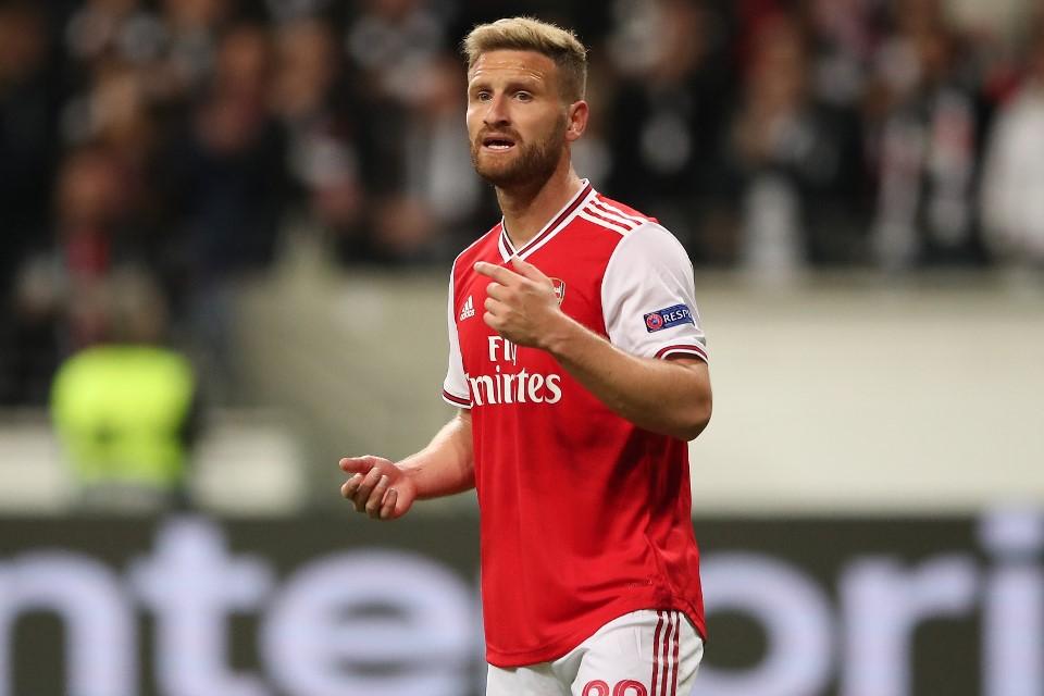 Berkaca Pada Blunder Transfer Mustafi, Arsenal Mulai Dengarkan Pria Satu Ini