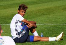 Utamakan Liga Champions, Boubacar Kamara Tolak Pinangan Man City
