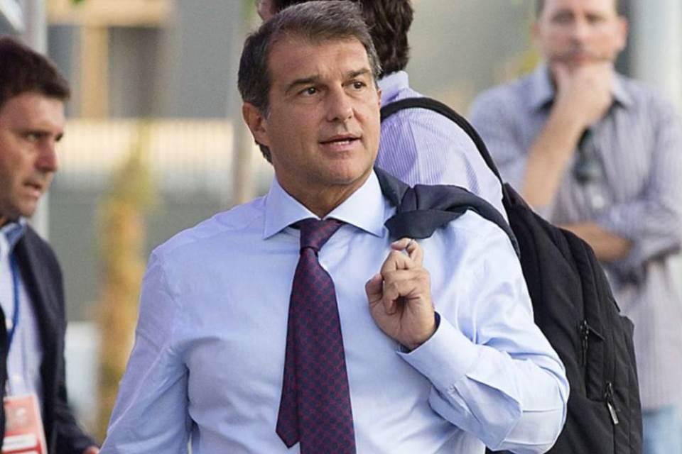 Mantan Presiden Barcelona Siap Turun Gunung tuk Beresi Kekacauan di Klub