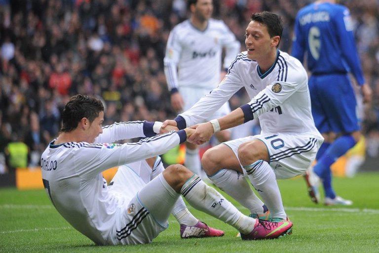 Kepergian Ozil ke Arsenal Buat Ronaldo Berang, Kenapa?