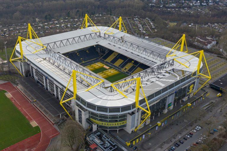 Dortmund Sediakan Stadionnya untuk Perawaran Pasien Corona