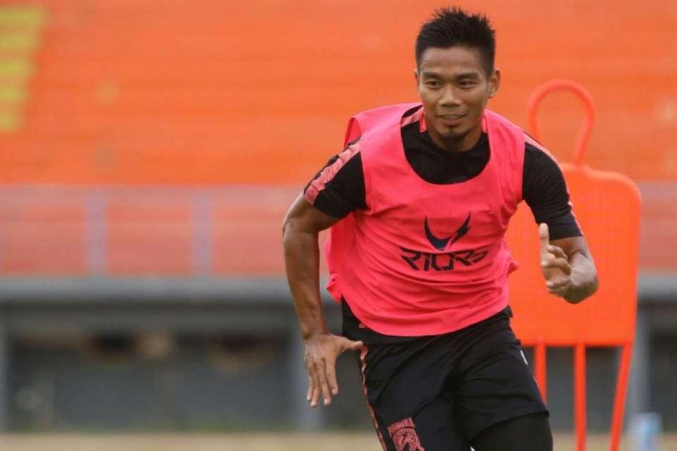 Kompetisi Dihentikan, Bek Borneo Jajal Olahraga Lain