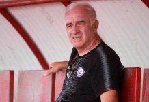Soal Kontrak Baru, Pelatih Arema Buka Suara