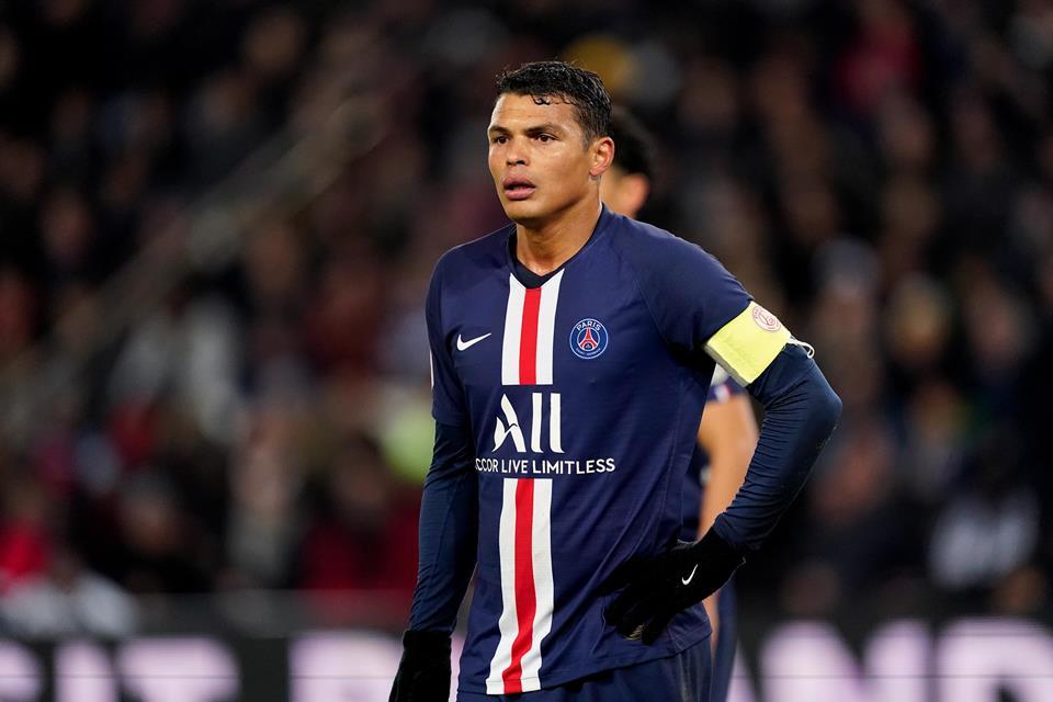 Meski Sang Pemain Berminat, Namun Arsenal Dinilai Tak Mampu Bayar Gaji Thiago Silva