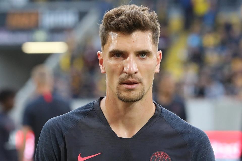 Beberapa Tim Elit Eropa Kecewa karena Fullback PSG Kian Dekat ke Raksasa Jerman
