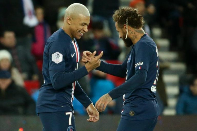 Les Parisiens Militan Pertahankan Dua Pemain Bintangnya