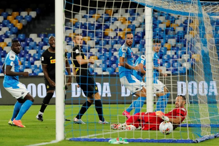Kiper Napoli Tampil Impresif, Antonio Conte Tak Menyangka Inter Gagal ke Final