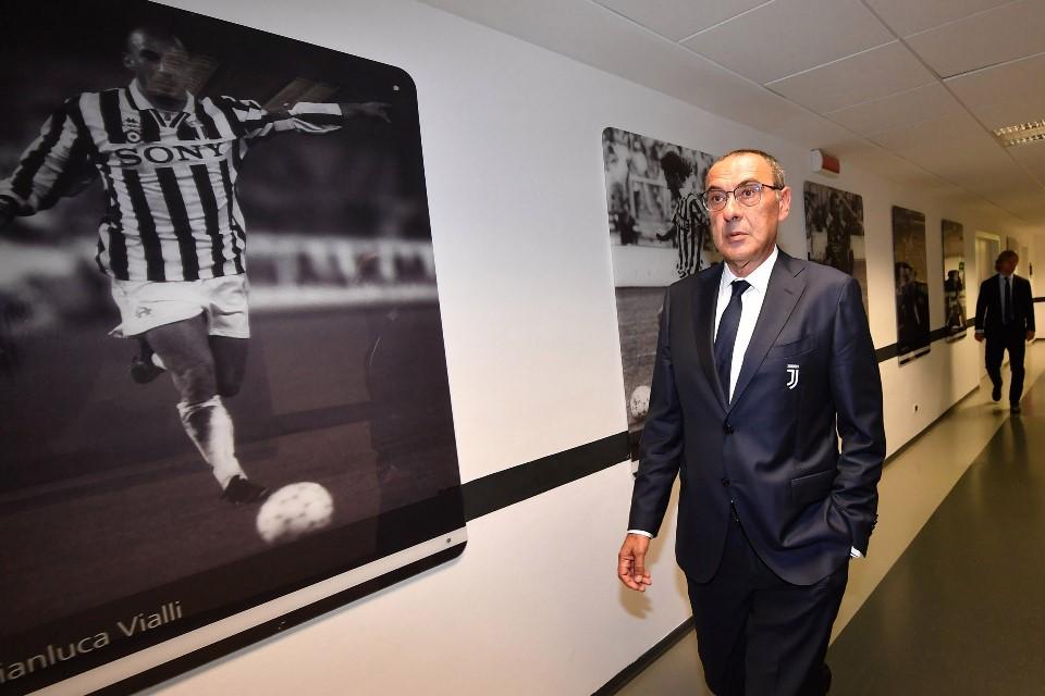 Presiden Napoli; Maurizio Sarri Itu Pelatih Mata Duitan!