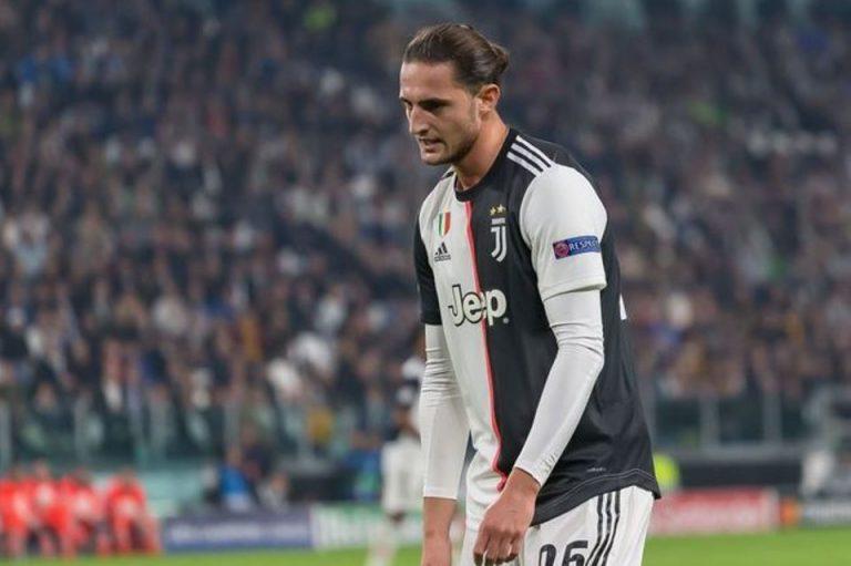 Ditinggal Pjanic, Juventus Sekuat Tenaga Perthankan Gelandang Satu Ini