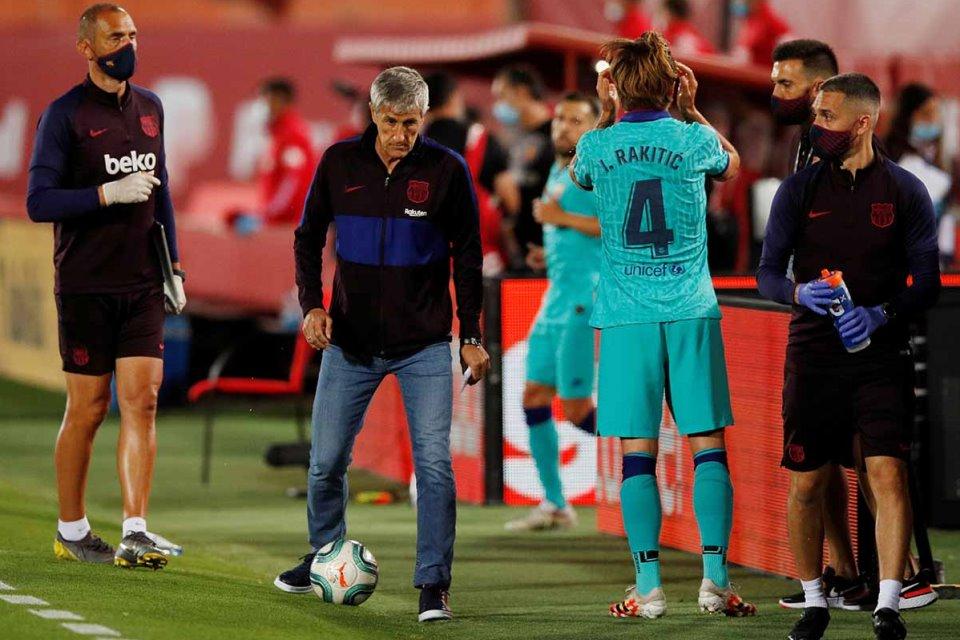 Setien Akui Langkah Barcelona Menuju Juara LaLiga Masih Berat