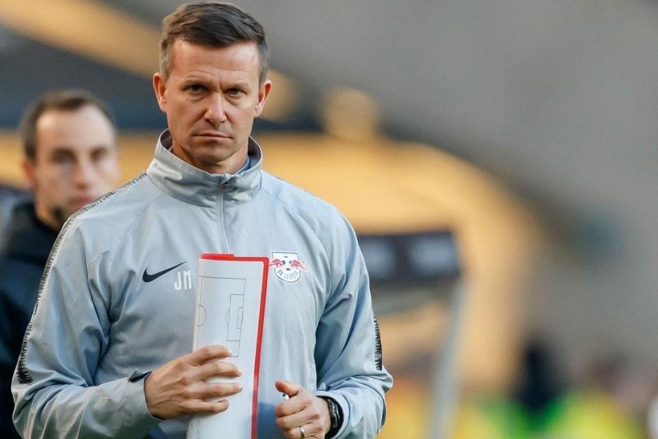 Musim Depan, Dortmund Bakal Rotasi Juru Taktik?