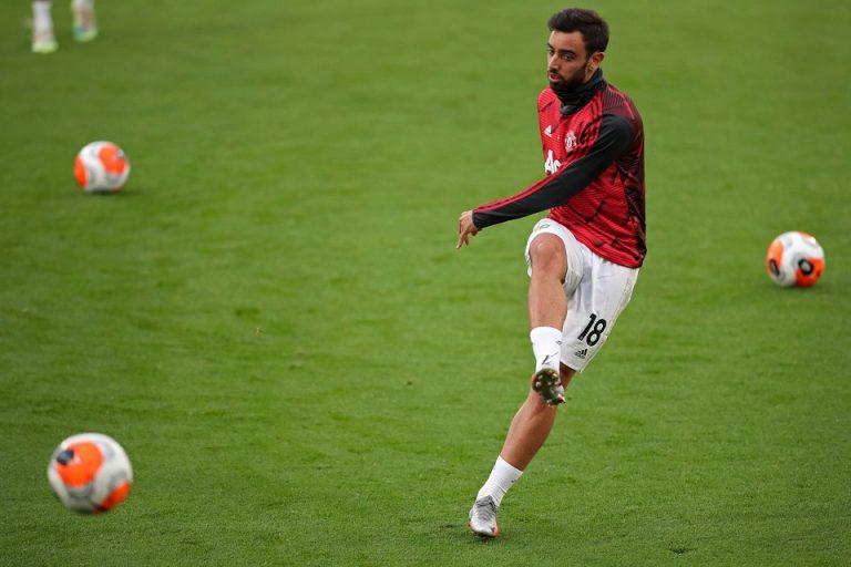 Neville: Tumben Mainnya Jelek, Bruno Fernandes?