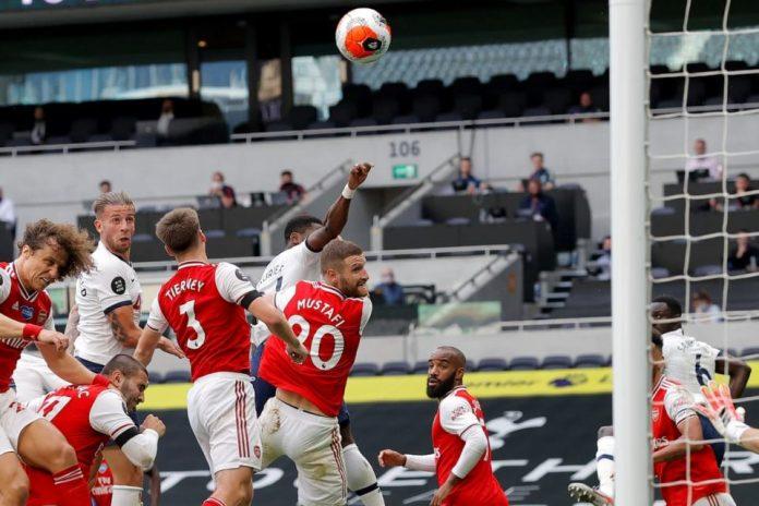 Di Comeback Spurs, Sol Campbell Mencak-mencak Bek Arsenal