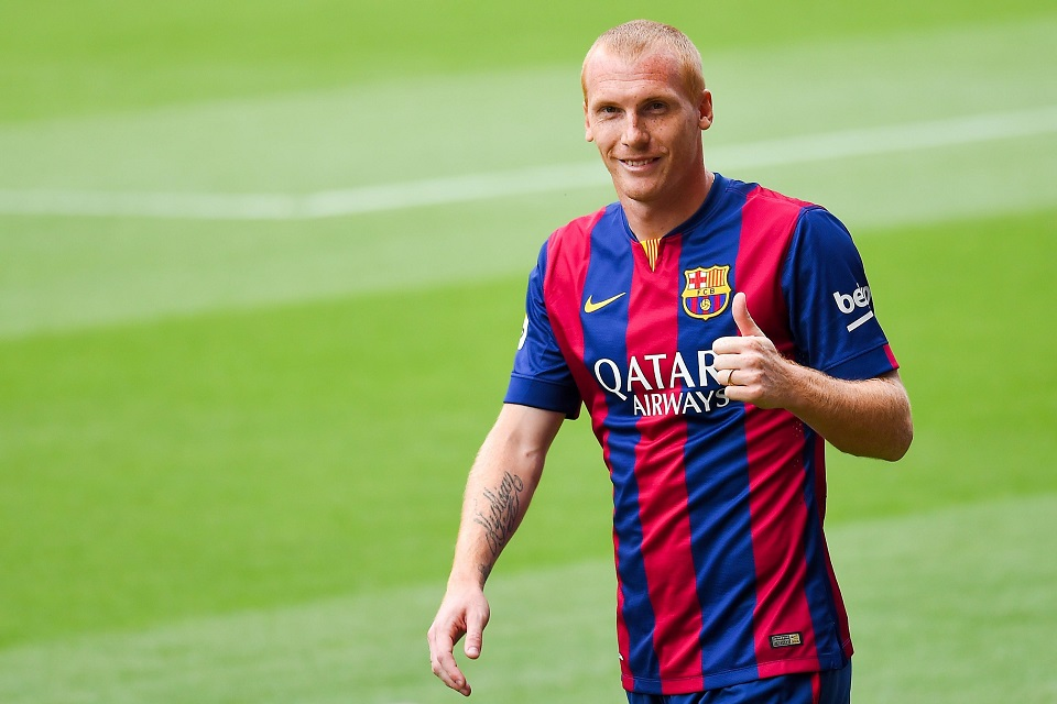 Jeremy Mathieu Menyesal Betul Tinggalkan Valencia Tuk Gabung Barcelona - Vivagoal.com