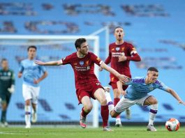 Liverpool Dibantai City, Robertson Jadi Bulan-bulanan