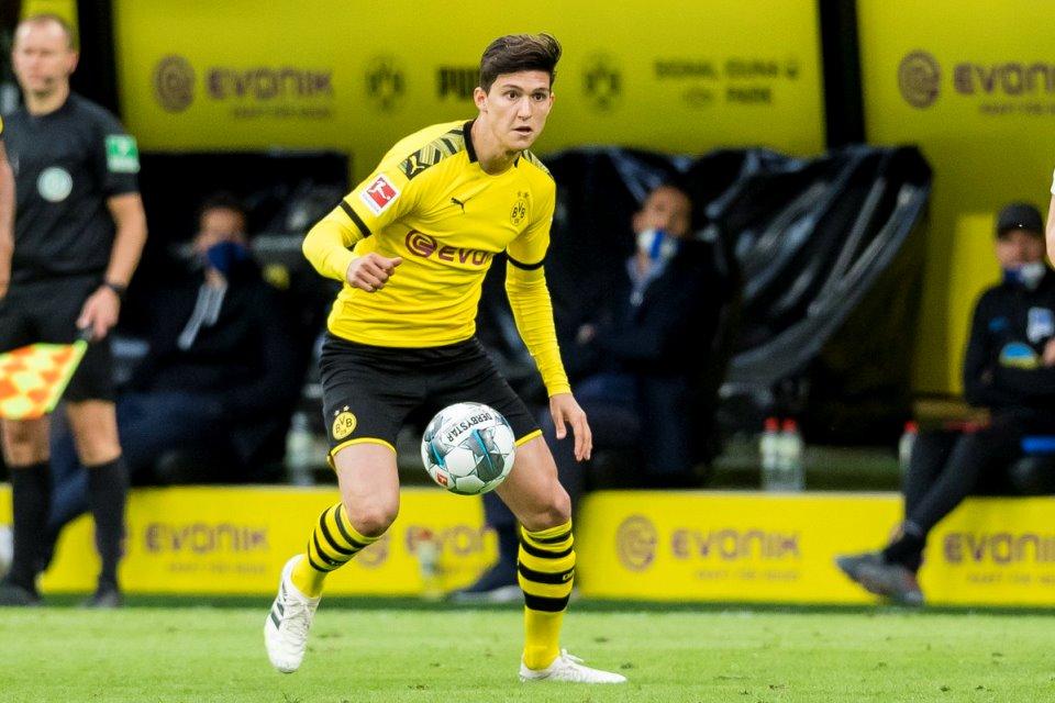 Marseille Resmi Pinjam Leonardo Balerdi dari Dortmund