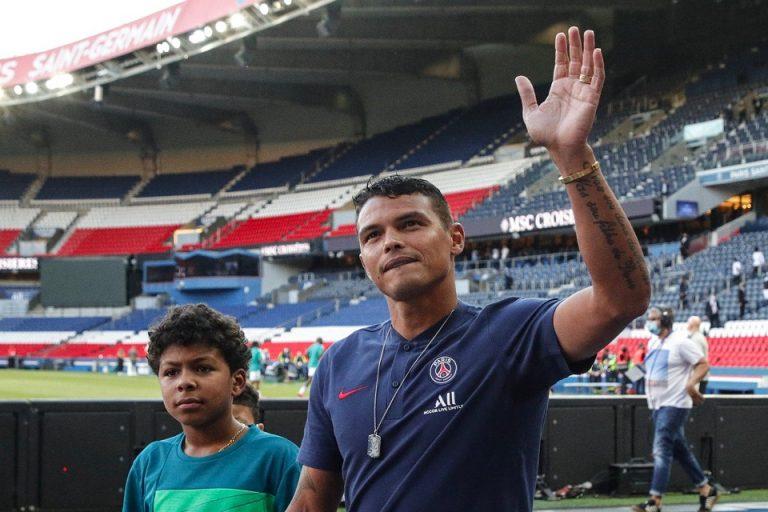 Teka-Teki Thiago Silva Usai Tinggalkan Paris Saint-Germain