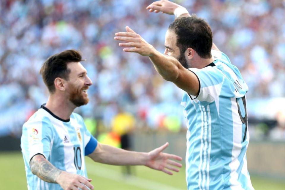 Berdasarkan Pengalaman, Higuain Ragu Messi Bakal Sukses Jika Main Di Liga Inggris