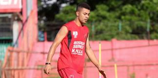 Hussein Eldor, pemain asing PSM Makassar saat melakukan sesi latihan bersama