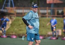 Bursa Transfer Pemain Tak Jelas, Pelatih Persib Mencak-Mencak