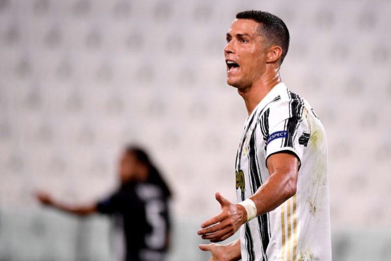 Bantah Mau Rekrut Ronaldo, Bayern: Dia Tidak Beda Dengan Lewandowski