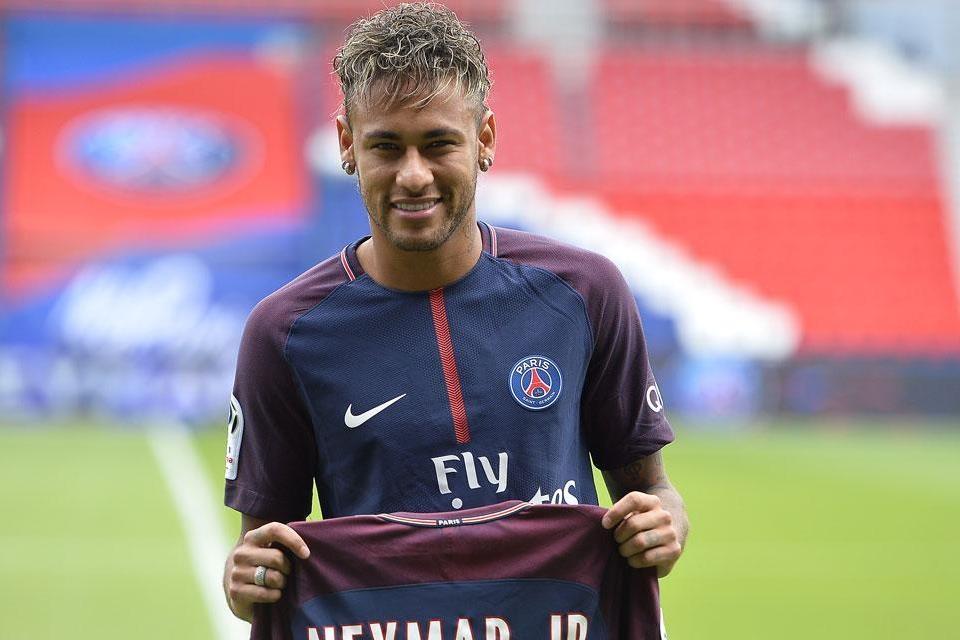 Ferdinand: Kegagalan Barcelona Dimulai Sejak Neymar Pergi