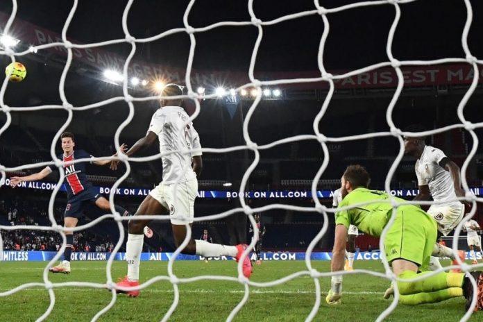 Gol Injury Time dan Main Dengan 9 Orang, PSG Petik Kemenangan Perdana