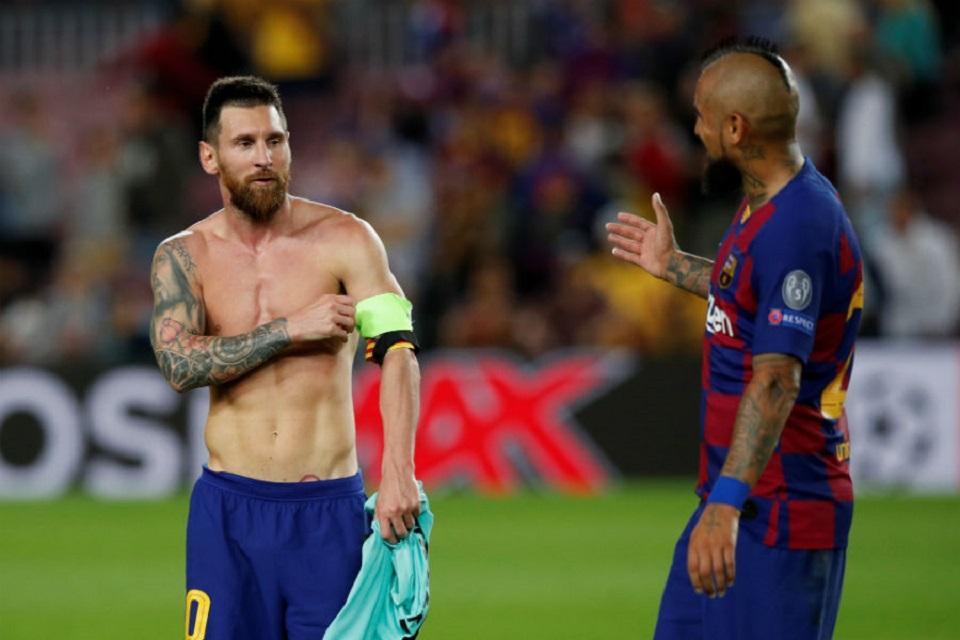 Hadapi Perpisahan, Messi Ungkapkan Peran Penting Vidal di Barcelona