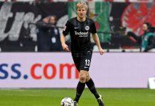 Bek Eintracht Frankfurt Jadi Top Score Gol Bunuh Diri di Bundesliga