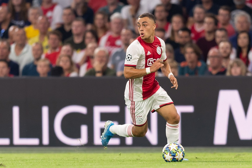 Salip Barcelona, Bayern Munchen Terdepan Dapatkan Bek Muda Ajax