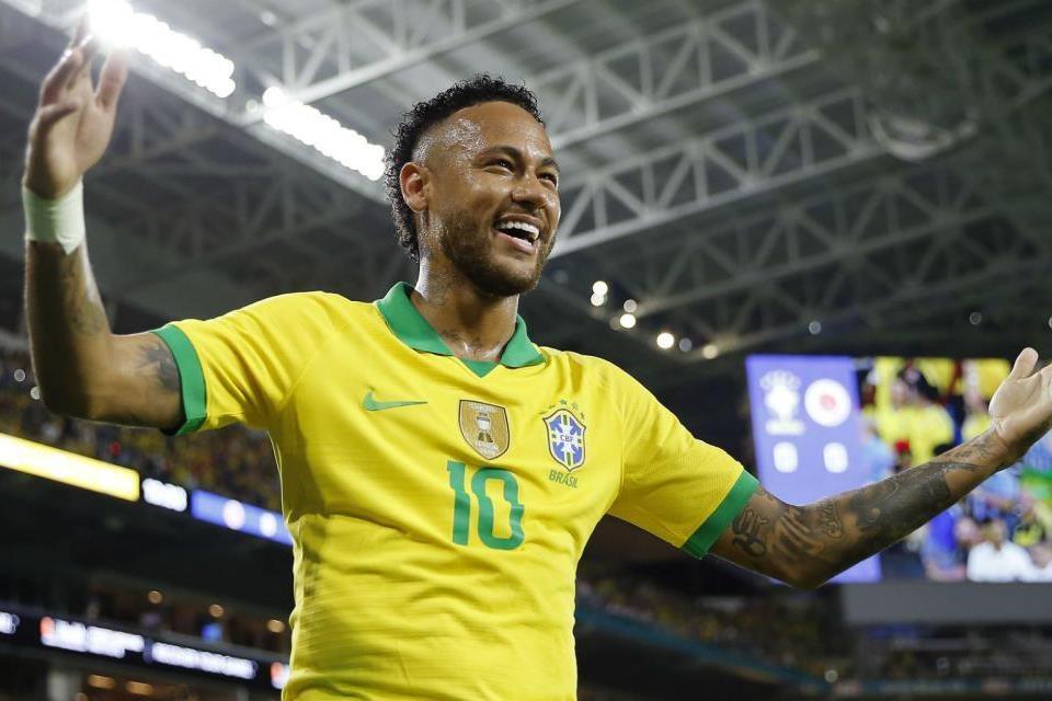 Neymar Cetak Hattrick, Brasil Bantai Peru 4-2