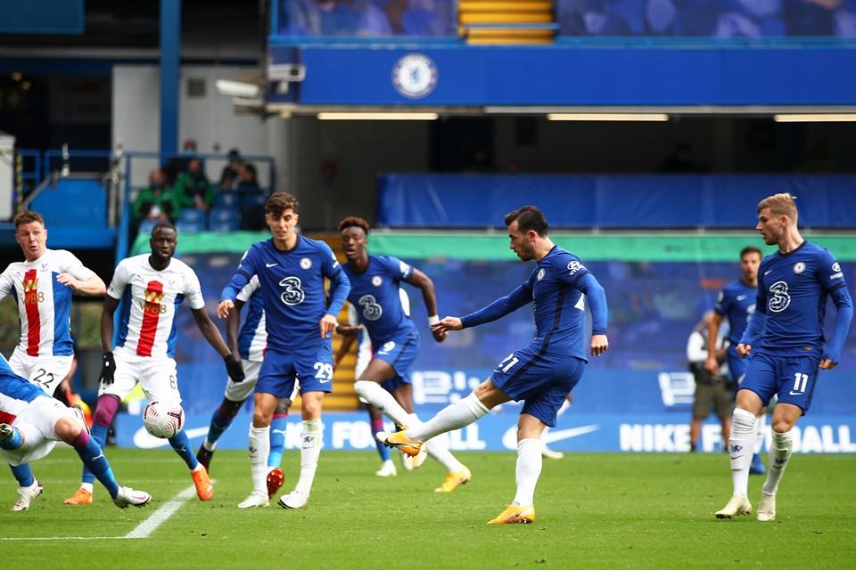 Bek Chelsea Lebih Haus Gol Ketimbang Barisan Penyerang
