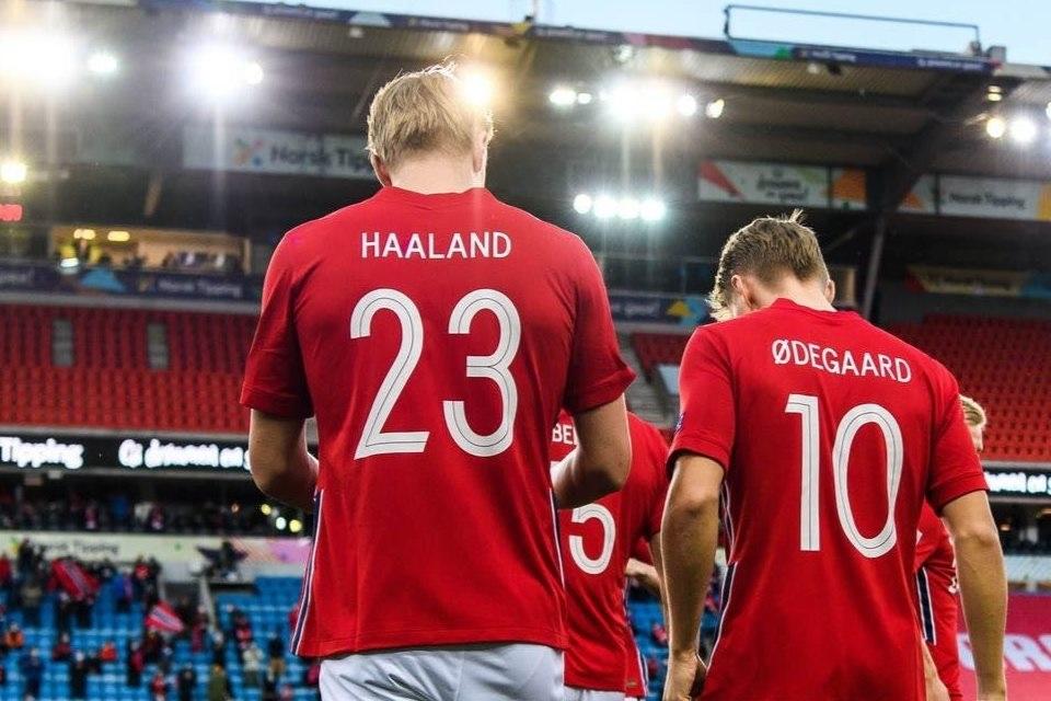 Apik di Timnas Norwegia, Haaland dan Odegaard Bakal Dipersatukan Madrid?
