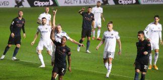 Hanya Imbang, Sterling Puji Leeds United Yang Berani Menyerang