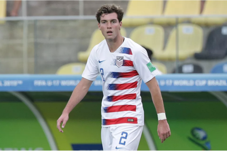 Joe Scally Bakal Jadi Remaja Amerika Keempat Di Bundesliga