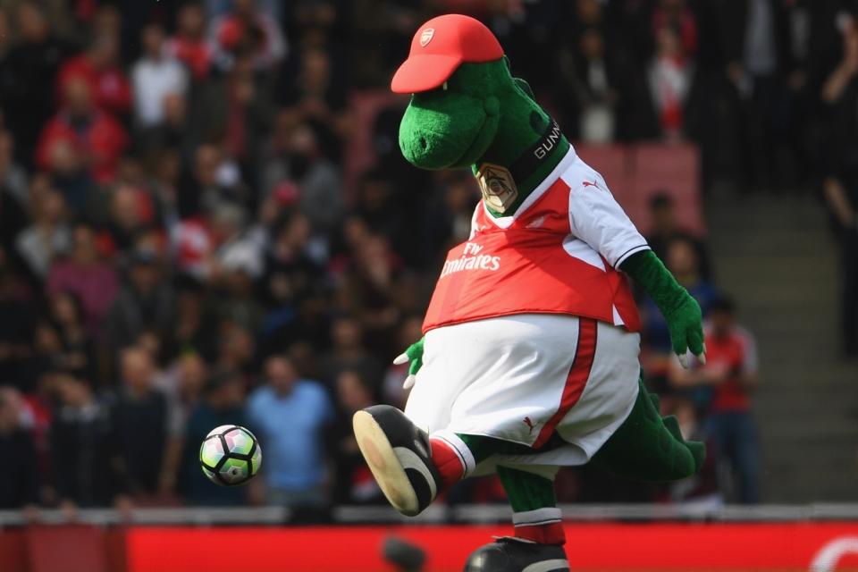 Ozil Siap Tanggung Gaji Gunnersaurus Agar Tetap Bertahan di Emirates