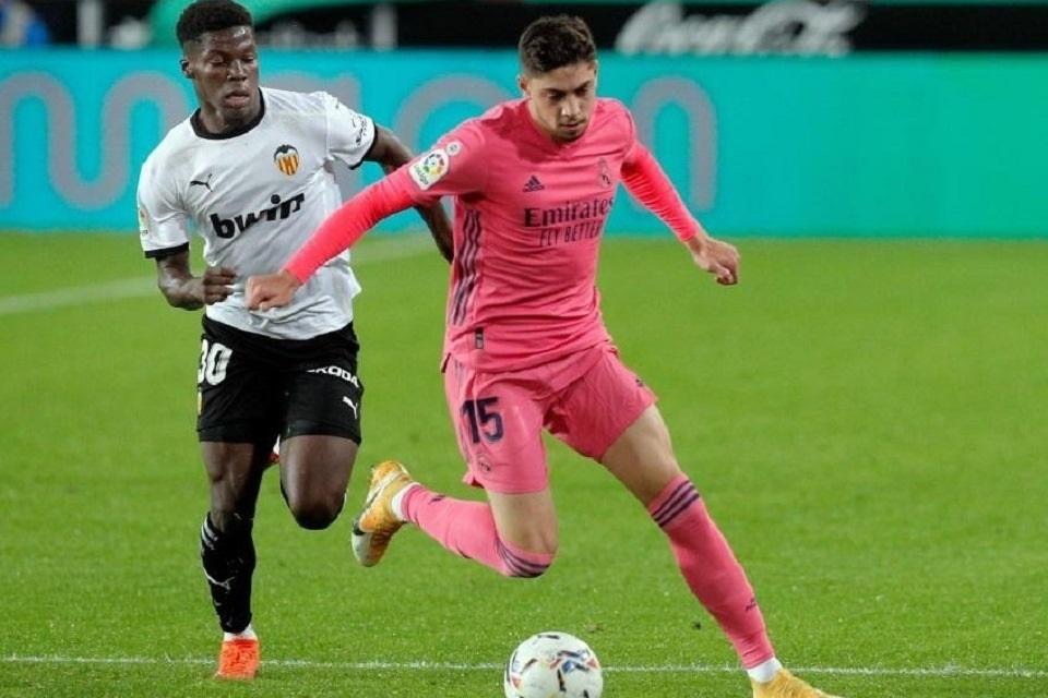 Nasib Sial Madrid: Dibantai Valencia, Federico Valverde Cedera Parah