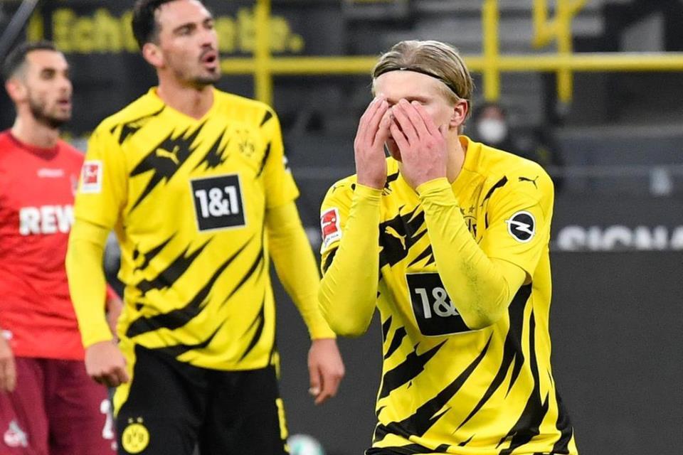 Dortmund Terseok, Haaland Bermain buruk