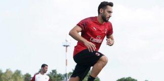 Hakan Calhanoglu, gelandang andalan AC Milan