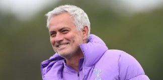 Lupakan Pochettino, Saatnya Spurs Angkat Juara Bersama Mourinho