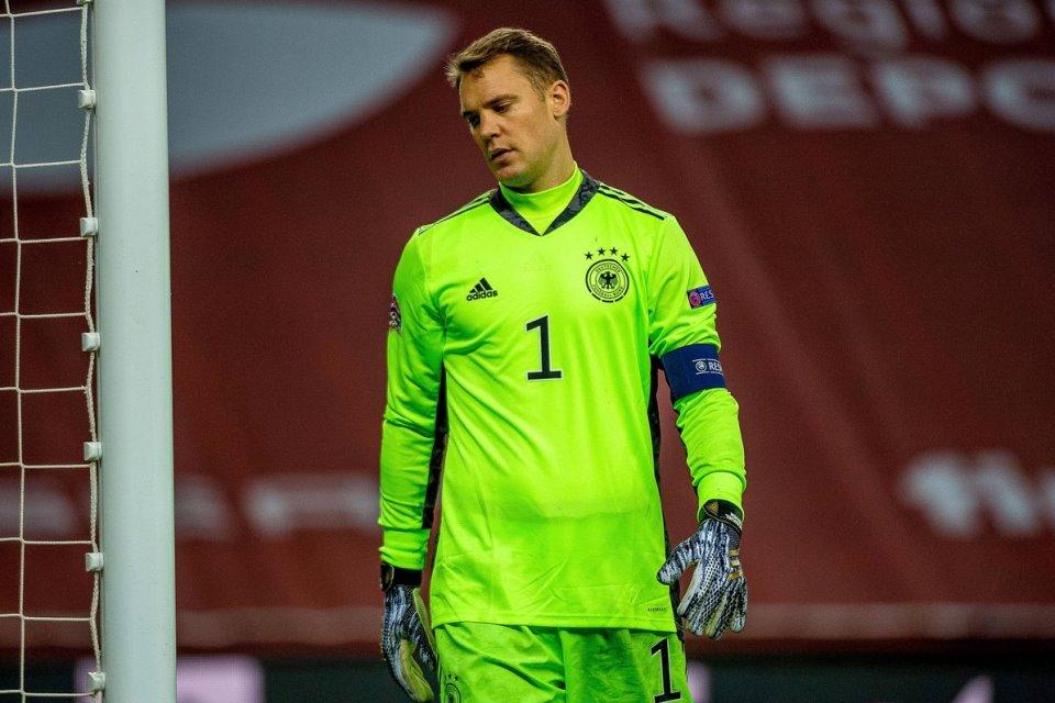 Manuel Neuer Mencak-mencak Usai Jerman Kebobolan 6 Gol dari Spanyol